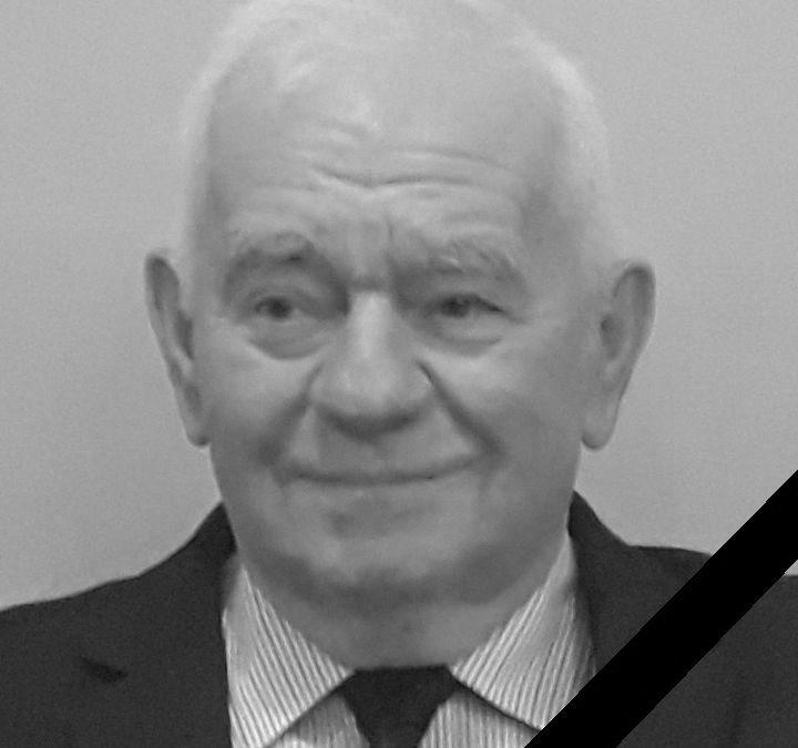 Jan Jankowski żył lat 82.